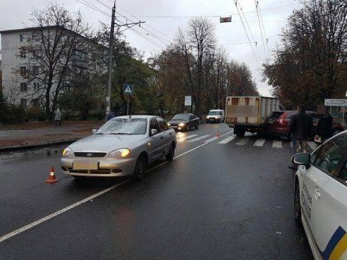 У Черкасах сталася потрійна ДТП, є постраждалі (фото)