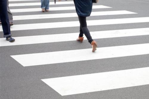 У Черкасах шукають водія автівки, який збив дівчину на пішохідному переході