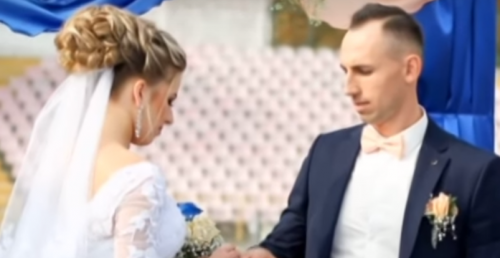 Кохання серед трибун: епатажний черкаський тренер одружився на футбольному полі (відео)