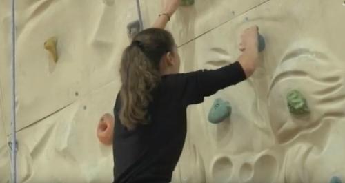 Черкаські школярі проводять канікули у національно-патріотичному таборі (відео)