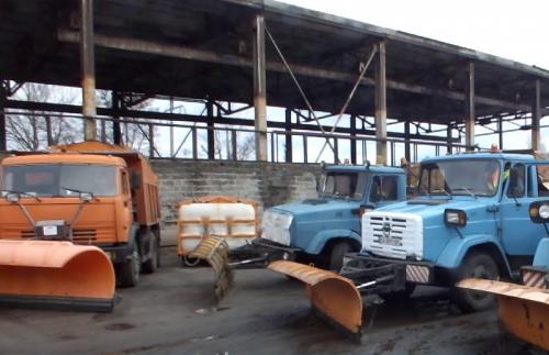 """На комунальному підприємстві """"Челуаш"""" не вистачає машин для прибирання снігу (відео)"""