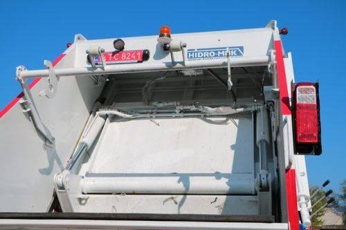 КП «Черкаська служба чистоти» отримало новий сміттєвоз