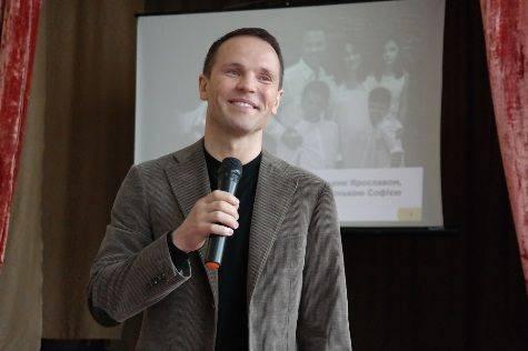 Кандидат в Президенти Дерев'янко закликав черкащан активно включатися у підготовку до позбавлення влади олігархату (фото, відео)
