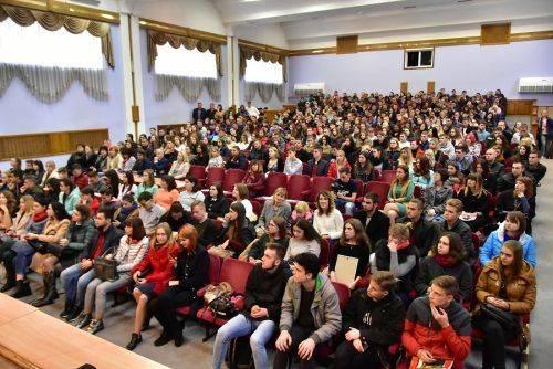 Перший відкритий діалог у Черкасах Тарас Тополя провів зі студентством