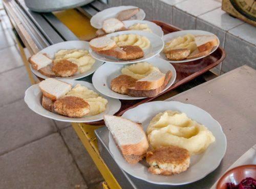 Черкаських школярів, які стали переможцями олімпіад, харчуватимуть безкоштовно