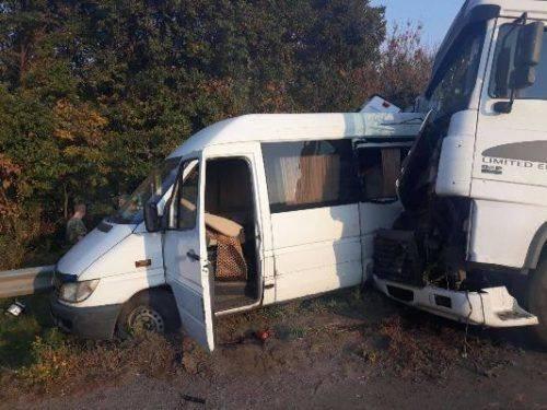Унаслідок ДТП на Черкащині померла 13-річна школярка, ще двоє у реанімації