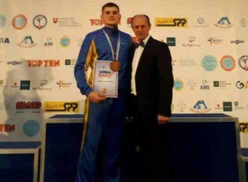 Черкаський кікбоксер увійшов до трійки кращих на змаганнях у Словаччині