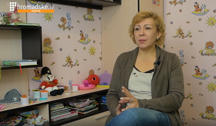 На Черкащині жінка перетворила власну квартиру на вільний для соціуму простір (відео)