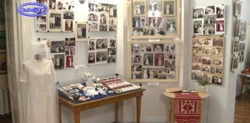 У музеї на Черкащині створили виставку весільних вбрань різних епох (відео)
