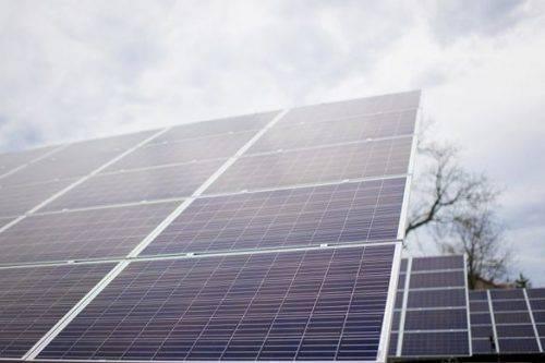 Родина з Черкащини встановила сонячну електростанцію на подвір'ї свого будинку (відео)