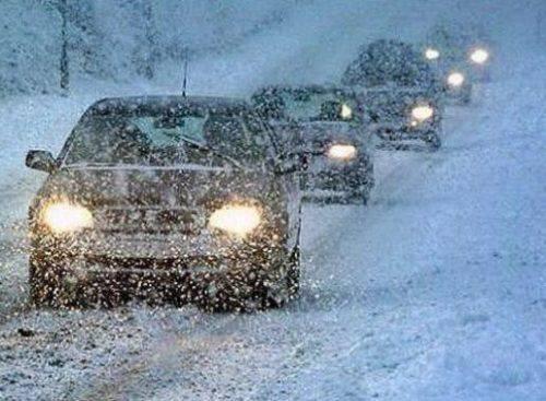 Сильний сніг та ожеледиця: водіїв Черкащини попереджають про ускладнення погодних умов