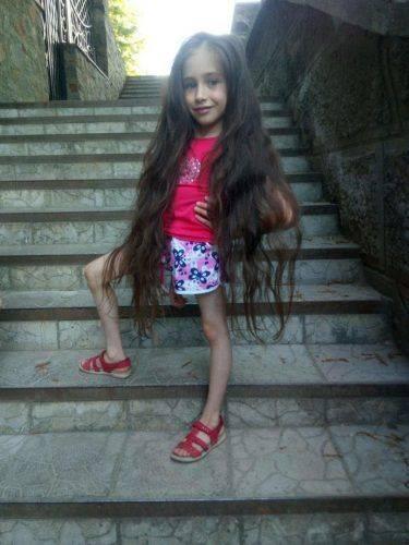 На Черкащині тяжкохвора дівчинка мріє зустрітися з відомим мандрівником
