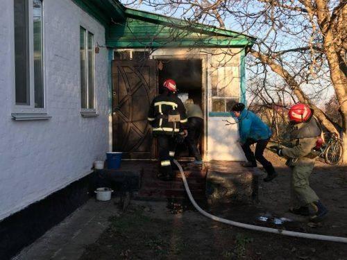 На Черкащині через порушення правил пожежної безпеки ледь не згорів будинок