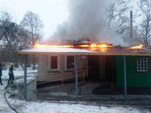На Черкащині згоріла будівля фельдшерського пункту (фото)