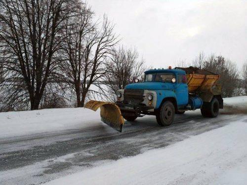 Комунальники Черкащини забезпечили проїзд дорогами державного значення