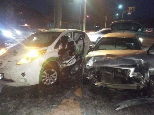 У Черкасах зіштовхнулися дві автівки, є постраждалі