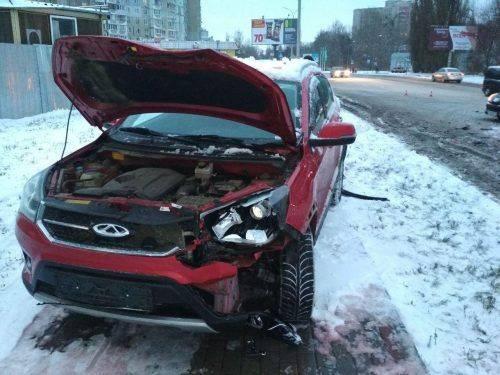 У Черкасах не розминулись дві автівки, є постраждалі (фото)