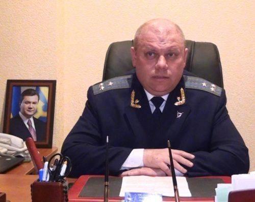 """Прокурор з Черкащини, який був звільнений за """"брехню"""" в декларації, поновився на роботі (відео)"""