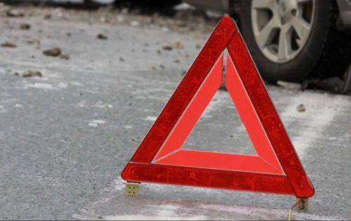 У Черкасах шукають водія позашляховика, який спричинив аварійну ситуацію з тролейбусом