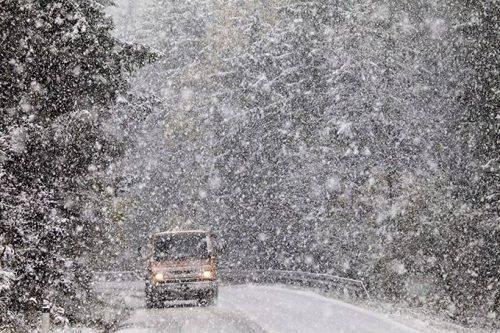 Сильний сніг та ожеледиця: на Черкащині очікується погіршення погодних умов