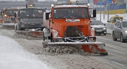 На Черкащині 140 одиниць техніки ліквідовували наслідки снігопаду (відео)