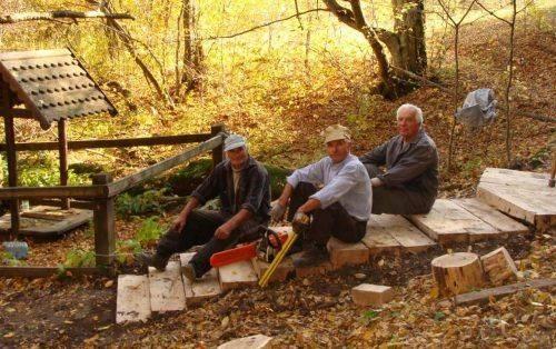 Лісівники Черкащини облаштували цілюще джерело (фото)