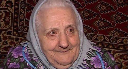 """Після 13-річної """"засухи"""" в оселі черкаської пенсіонерки з'явилася вода (відео)"""