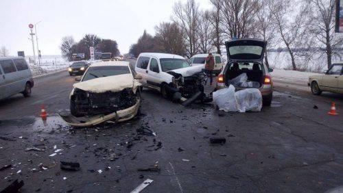 У Черкасах сталася потрійна аварія з постраждалим (фото)