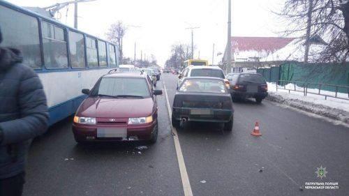 Черкаський горе-водій протаранив одразу чотири автівки (фото)