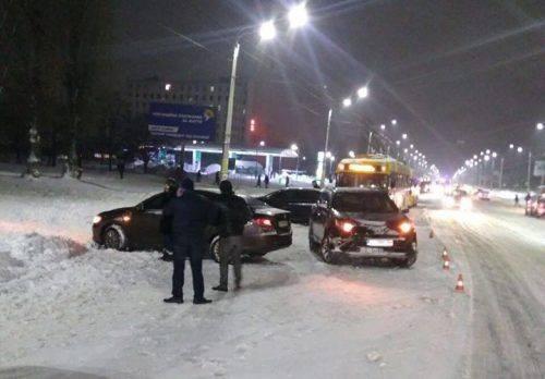 У Черкасах не розминулися дві автівки