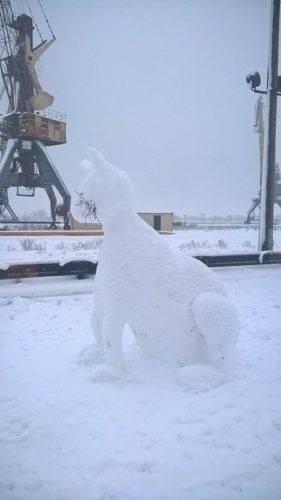 Черкащани виліпили із снігу двометрового кота (фотофакт)