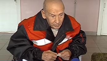 Черкаського пенсіонера з інвалідністю родина лишила зимувати просто неба (відео)