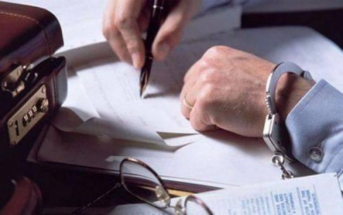 На Черкащині службові особи погоріли на підробці документів під час розмитнення майна