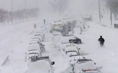 За добу на Черкащині у снігових заторах опинилися 230 транспортних засобів