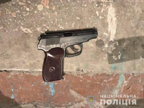 Черкаські правоохоронці затримали чоловіка, який пограбував фінансовий заклад на 20 тисяч гривень