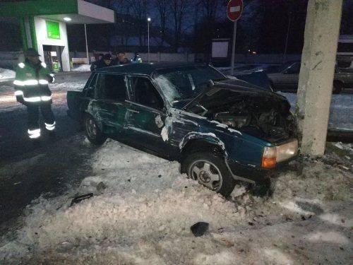 У Черкасах зіштовхнулися автобус та автівка, є постраждалі (фото)
