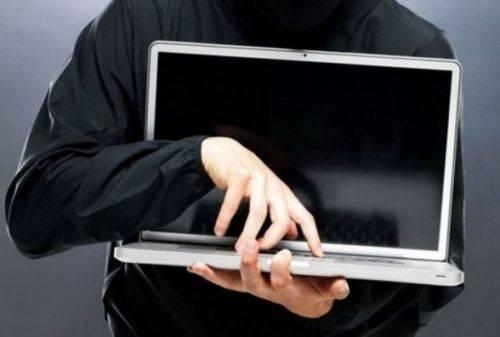 На Черкащині чоловік поцупив ноутбук у пасажира автобуса