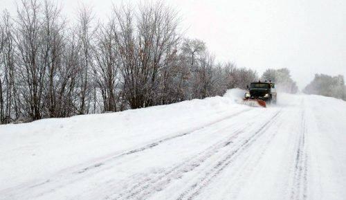Понад 80 одиниць техніки розчищали дороги на Черкащині