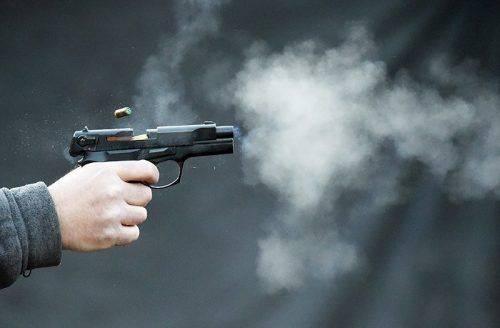 На Черкащині поліцейські вилучили у чоловіка саморобний пістолет