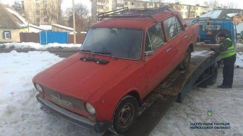 """У Черкасах затримали п'яного водія """"ВАЗ-21011"""""""