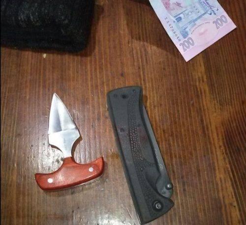 У Черкасах два зловмисники побили та пограбували чоловіка