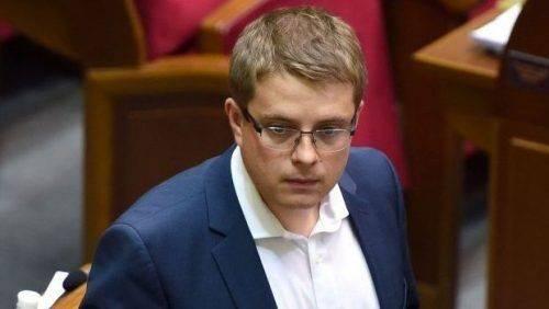 Перехід парафій до ПЦУ має відбуватись поступово без втручання політики, – Владислав Голуб