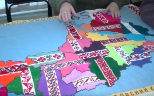У Черкасах закінчують вишивати карту області (відео)