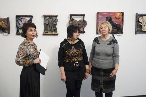 У Черкаському художньому музеї відбулося відкриття виставки виробів із натуральної шкіри