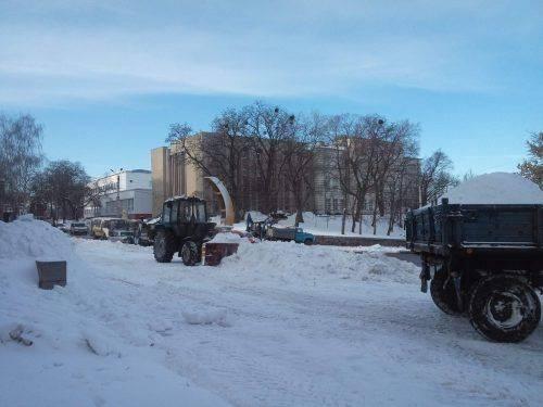Спочатку школи і садочки: в мерії обговорили ситуацію із очищенням Черкас від снігу