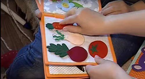 Черкащанка створює м'які книги для дітей (відео)