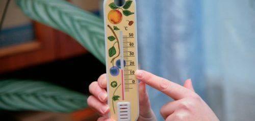 У Черкасах мешканці багатоповерхівки понад тиждень замерзають у своїх оселях (відео)