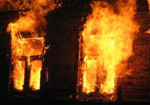 Під час пожежі згорів будинок: черкаська багатодітна родина потребує допомоги