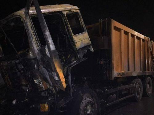 На Черкащині під час руху загорівся сміттєвоз (фото)