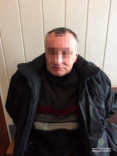 Черкаські патрульні знайшли чоловіка, який переховувався від слідства